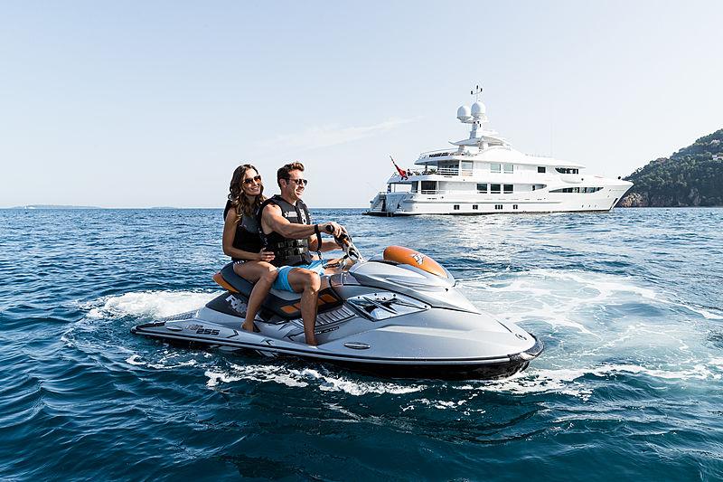 Grace yacht jet ski