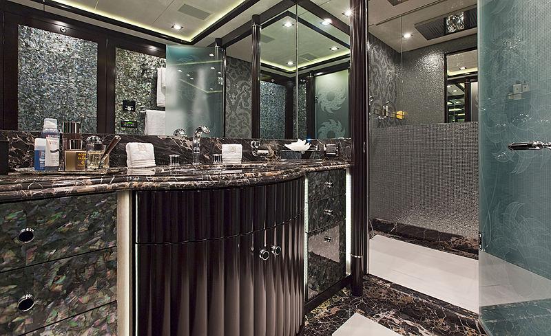 Rush yacht master's bathroom (His)