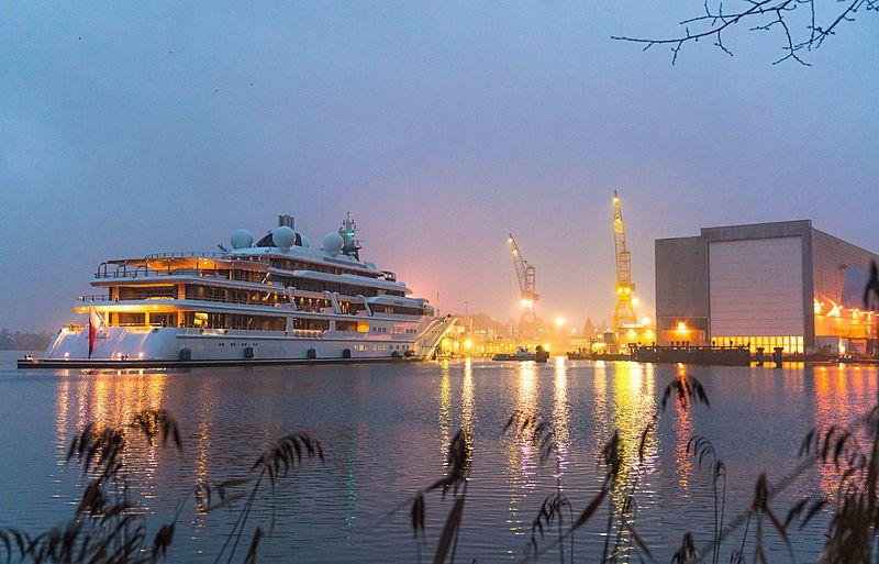 Katara yacht arriving in Rensburg