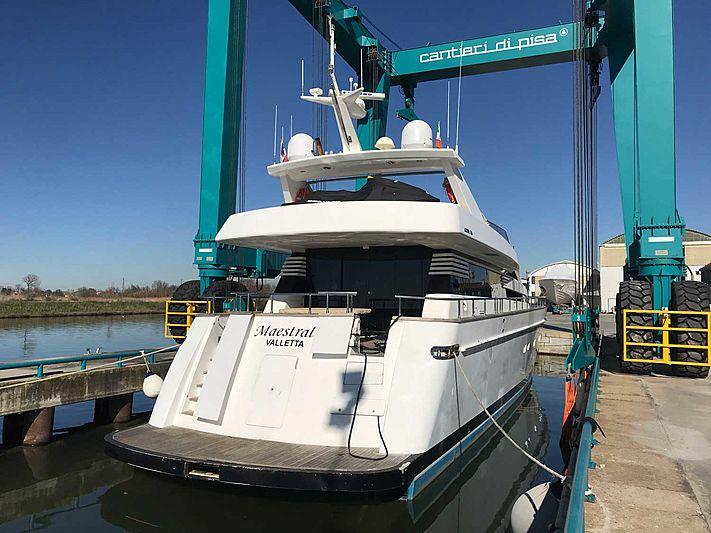 Akhir 85 yacht