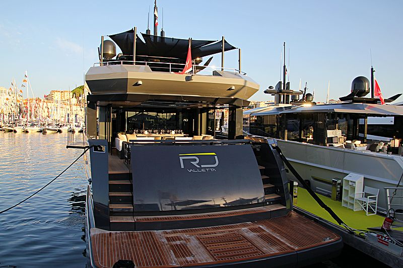 RJ yacht in Cannes