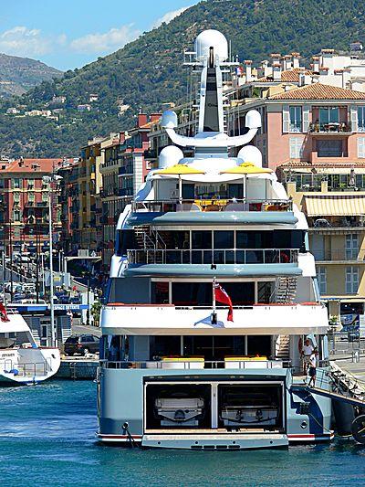 Aviva yacht in Nice