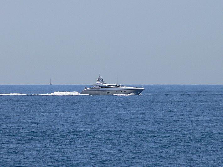Flying Dagger yacht cruising off Cap d'Antibes