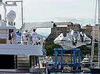 Alwaeli yacht tender offloading