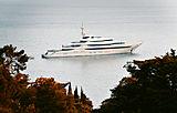 Amore Vero Yacht at anchor