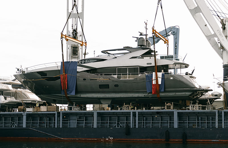 Independence Yacht by Sunseeker