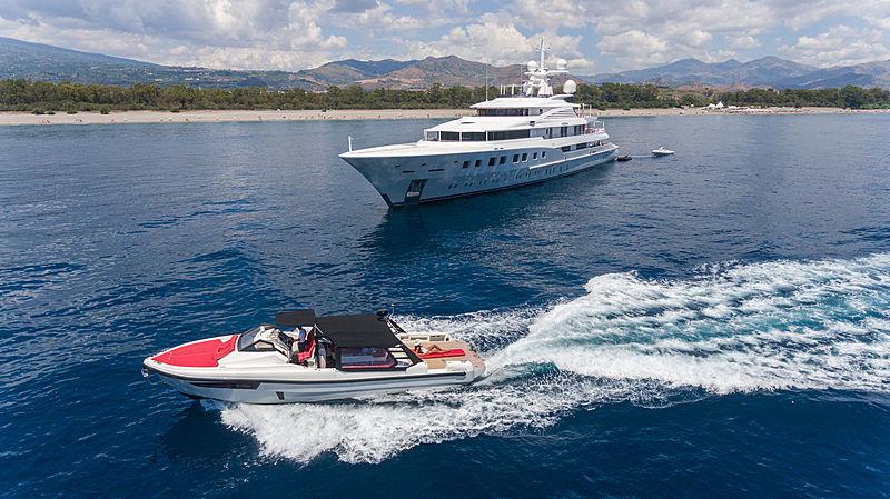 Axioma yacht by Dunya Yachts
