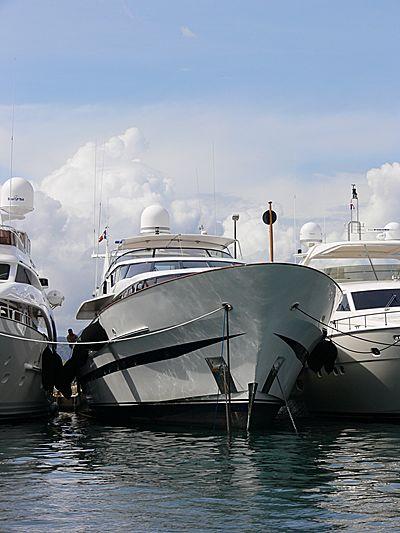 Allegra yacht in Port Canto