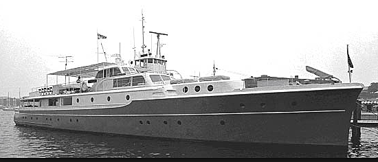 Chanticleer yacht anchored