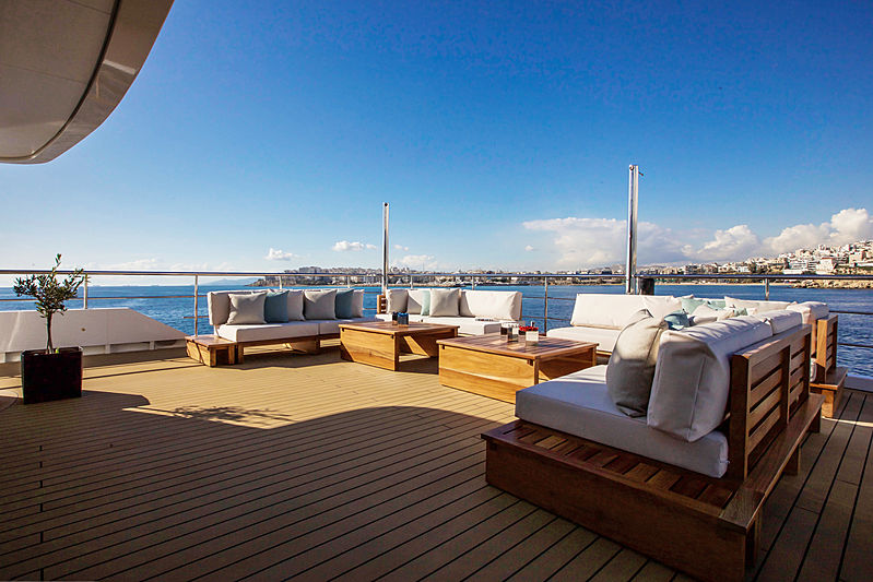Aspire yacht bridge deck