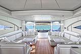 Four Friends yacht saloon
