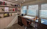 Broadwater yacht study room