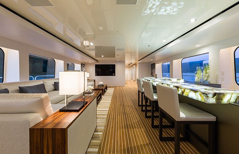 Chasseur yacht interior