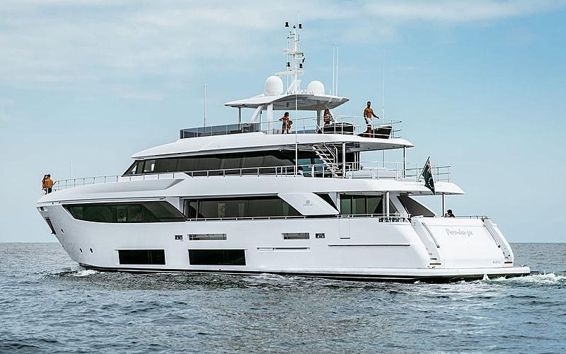 DECEMBER SIX yacht Custom Line