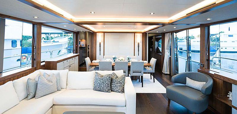 Hideout yacht saloon