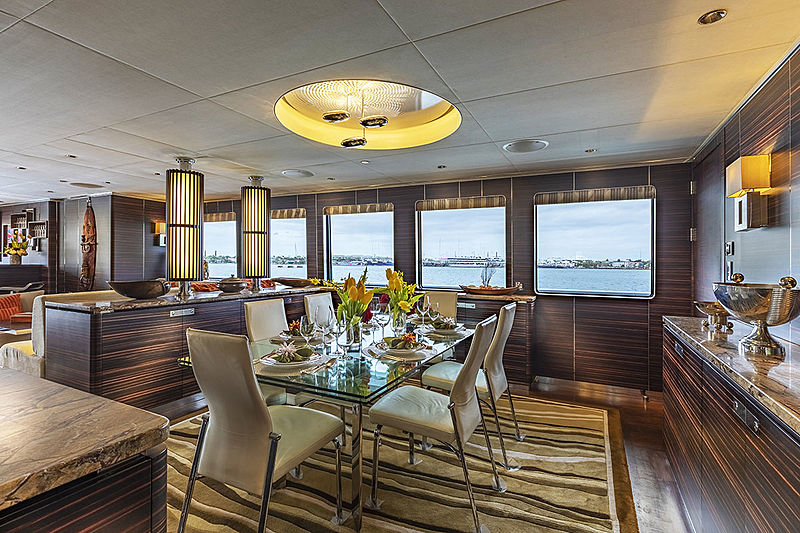 Qing yacht dining room