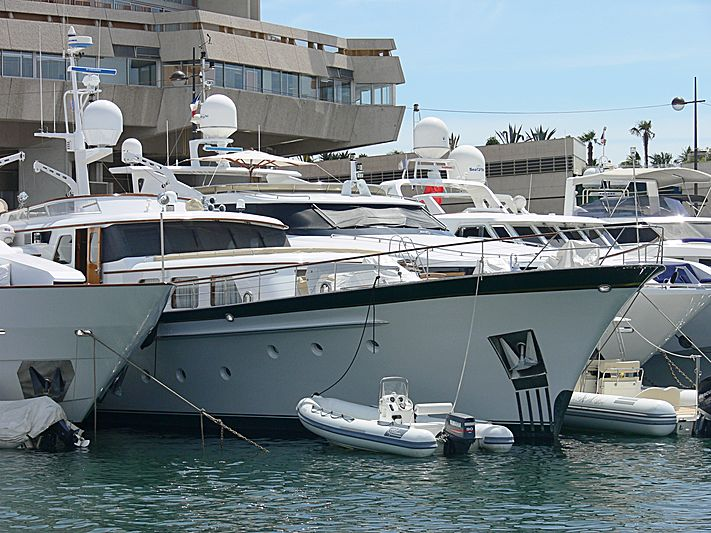 La Belle Aire yacht in Cannes