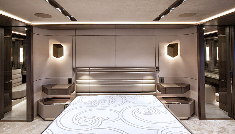 Pepper XIII yacht stateroom