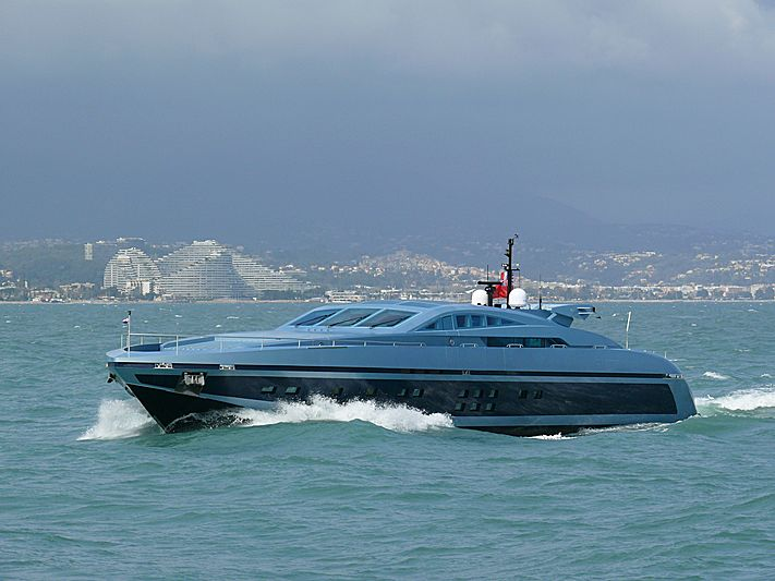 Blue Princess Star yacht arriving in Antibes