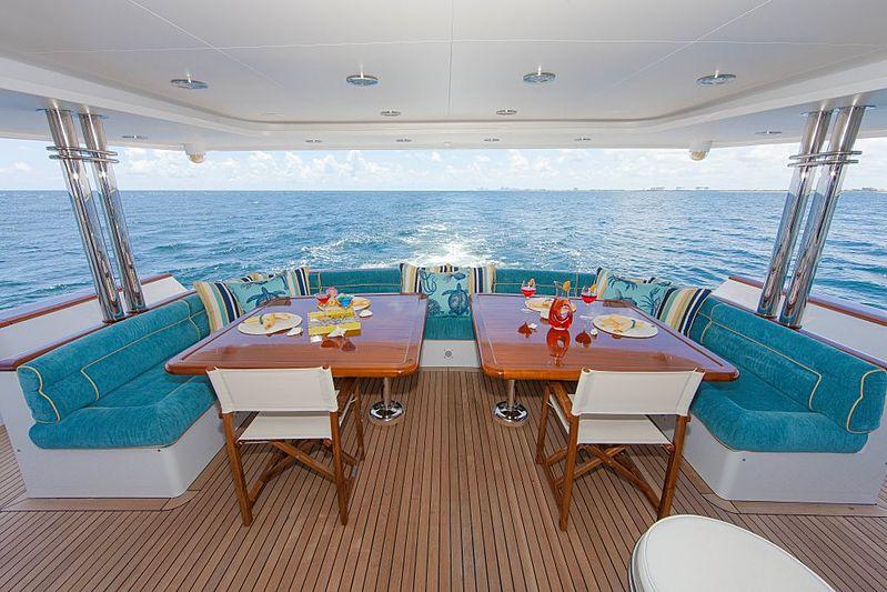 Aspen Alternative yacht aft deck