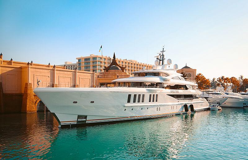 Motor yacht Spectre in Atlantis Bahamas