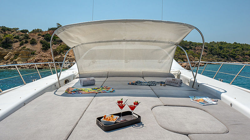 Cosmos I yacht foredeck