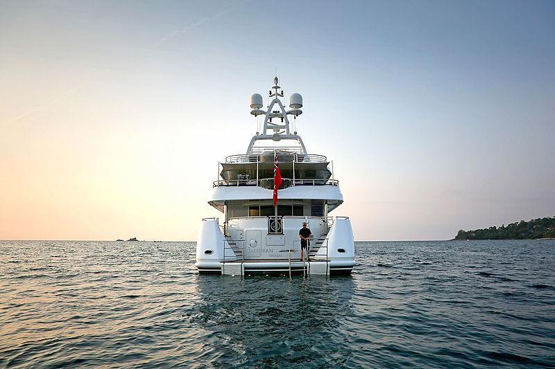 Tailisman Maiton yacht stern