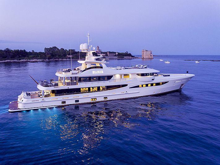 Elixir yacht anchored