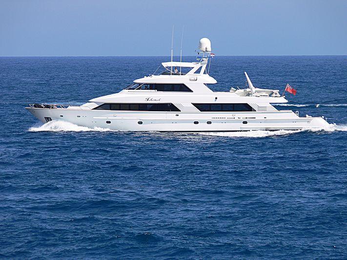 SALAMAT yacht Hatteras
