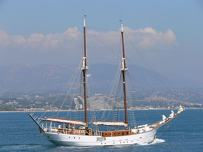 JOSEPH CONRAD yacht G & S