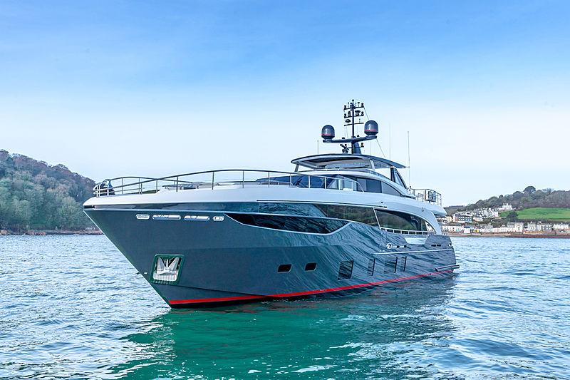 Samba yacht exterior
