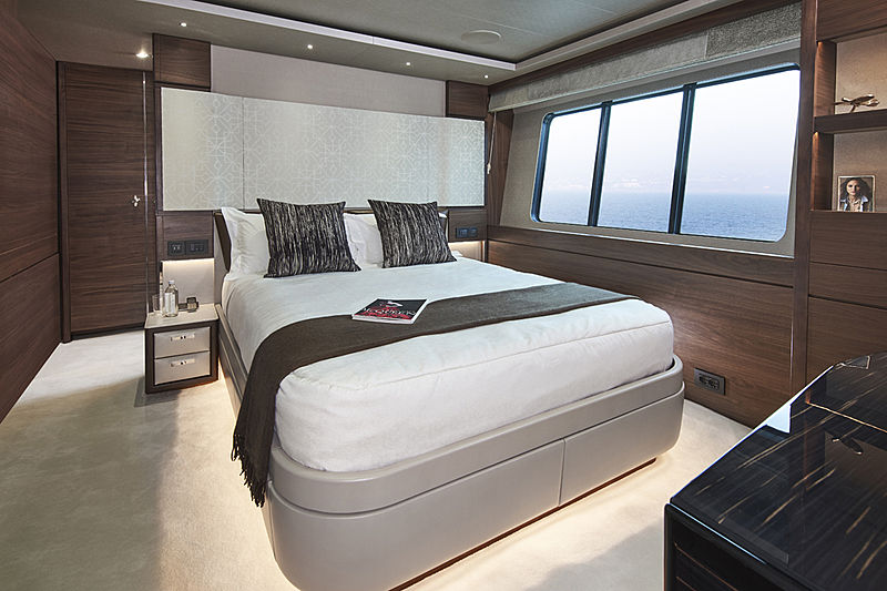 Samba yacht stateroom