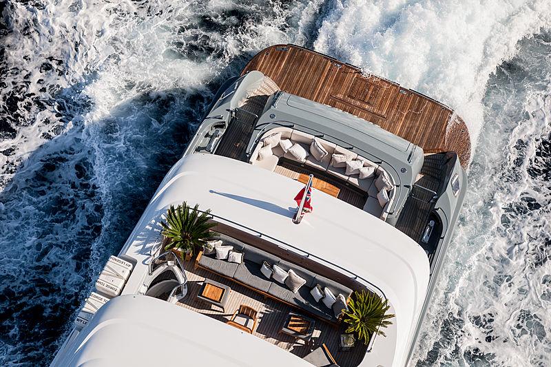 yacht Legenda aft deck details
