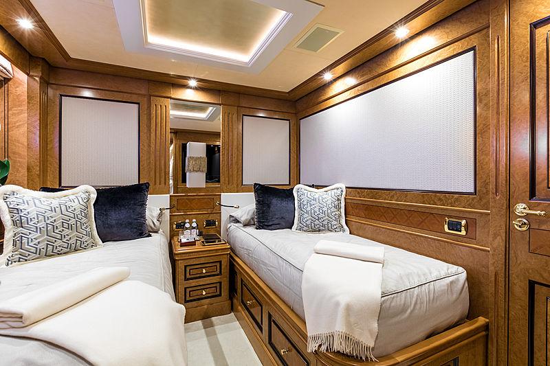 Legenda yacht twin cabin