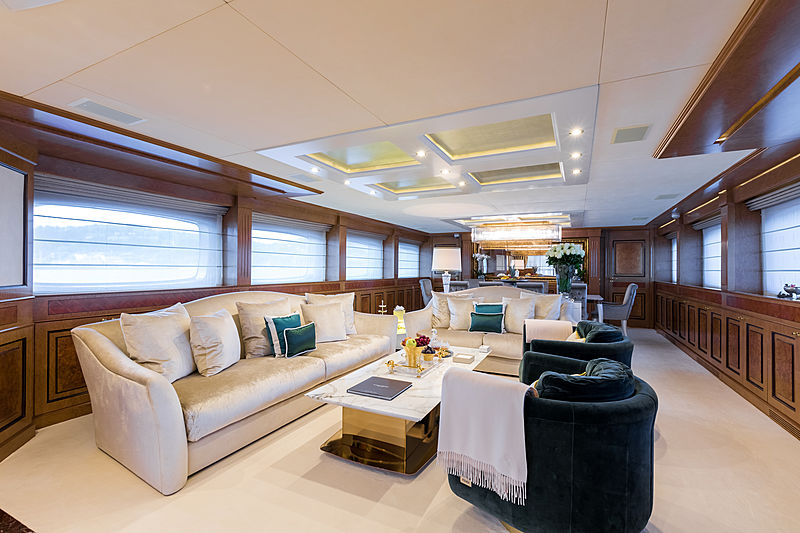 Legenda yacht main deck saloon