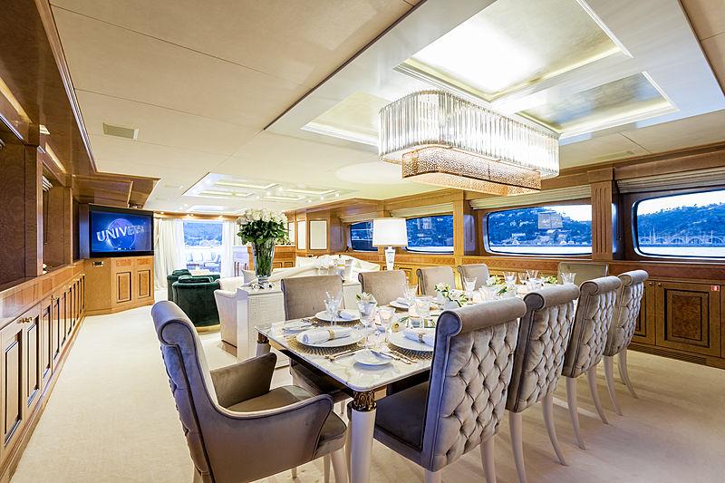 Legenda yacht main deck dining