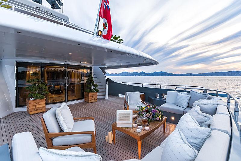 Legenda yacht main aft deck