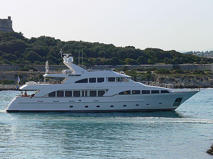 Eliza Jean yacht leaving Antibes
