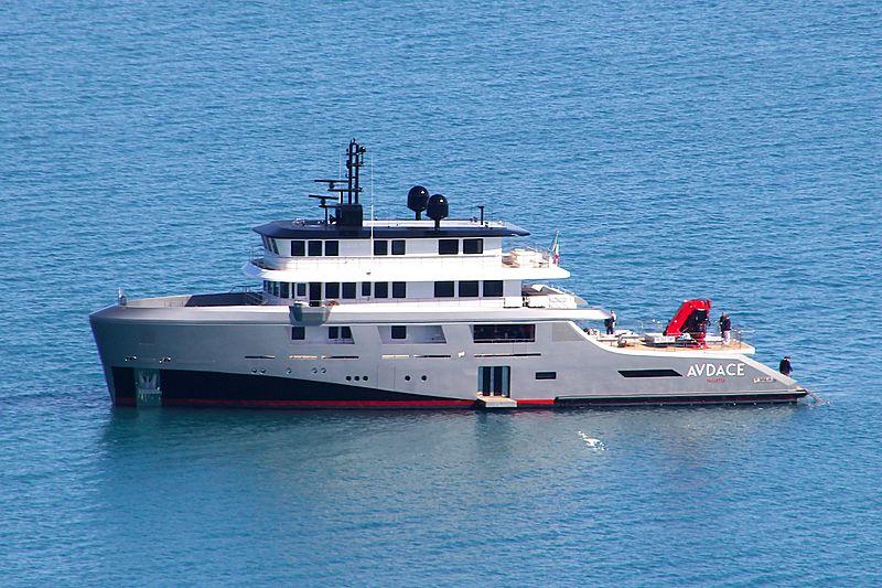 Audace yacht off Portonovo