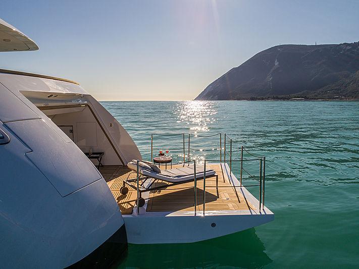 Agora III yacht beach club