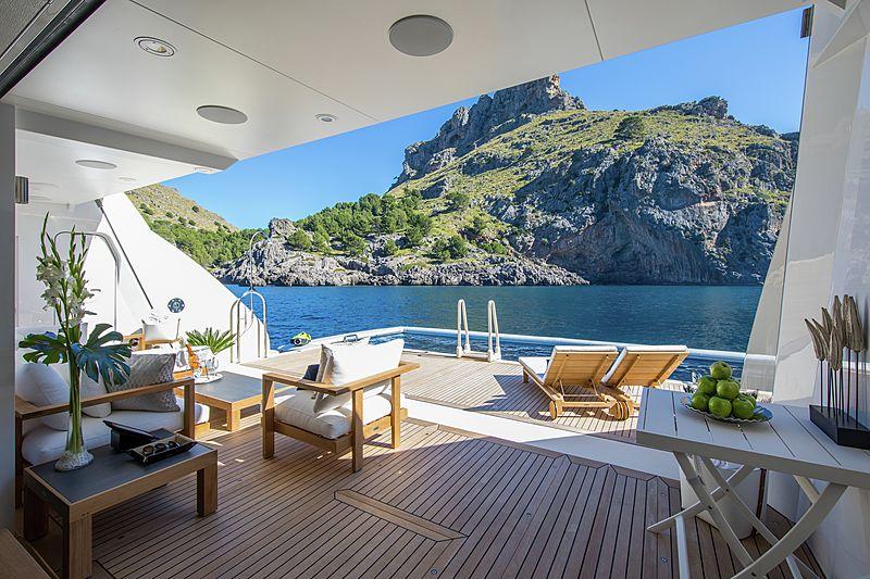 Eminence yacht deck