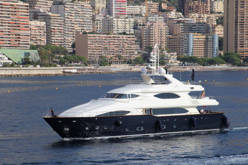 BUNKER yacht CRN