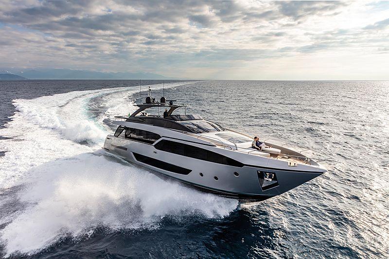 Riva 90/01 Argo yacht running