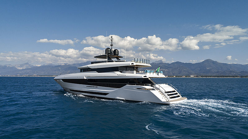 Mangusta Oceano 43 yacht cruising
