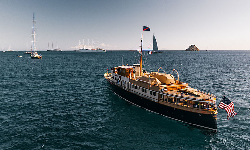 Marie motor yacht in St Barths