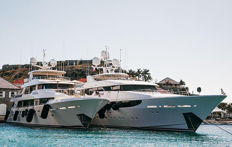 Annastar and Far Niente yachts at St. Barths