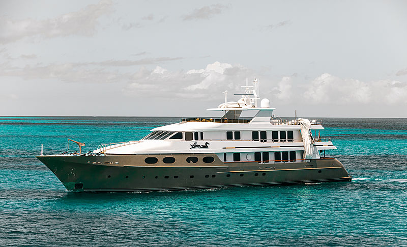 Loon yacht anchored off Anguilla