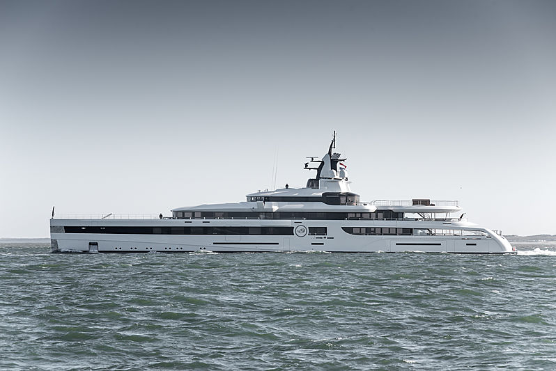 Lady S yacht by Feadship on sea trials