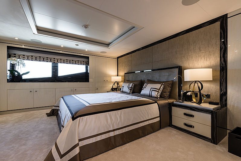 Lili yacht owner's cabin