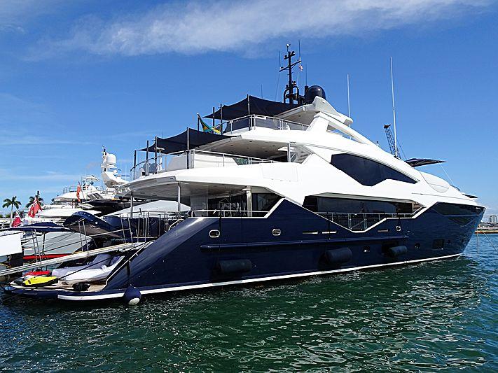 Take 5 yacht in Miami Island Gardens